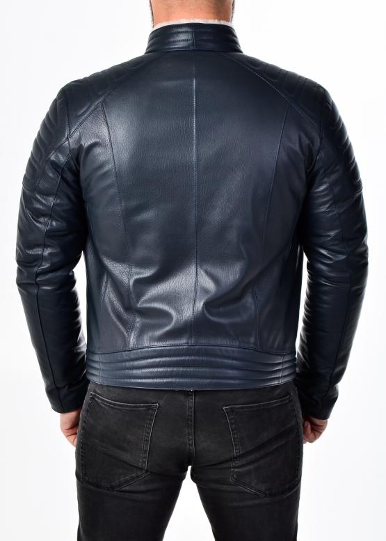 Зимняя приталенная кожаная куртка