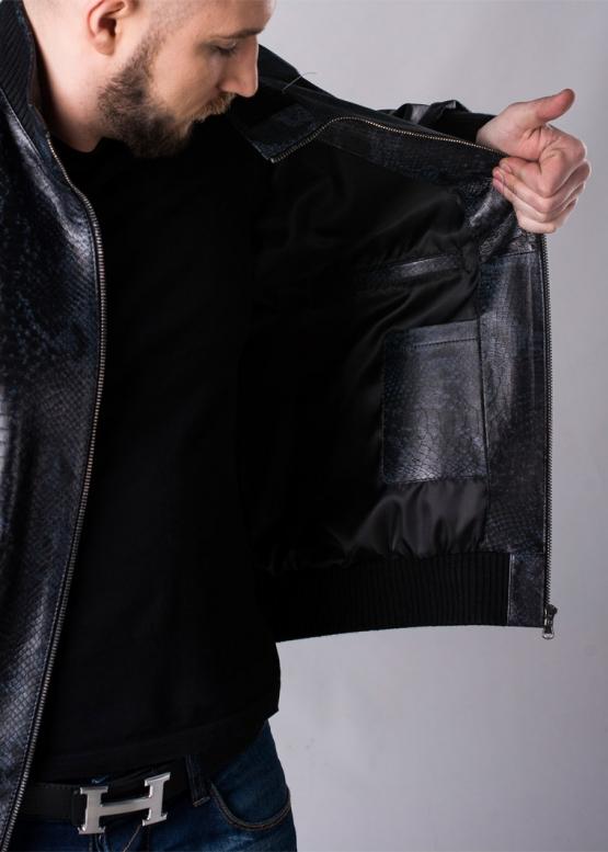 Весенняя кожаная куртка под резинку